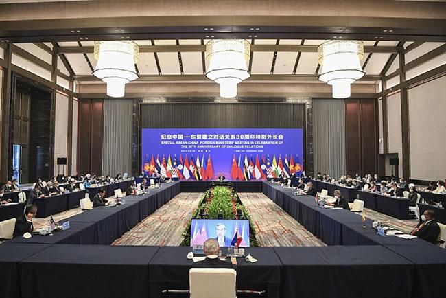 Việt Nam cùng ASEAN và Trung Quốc đưa quan hệ hai bên trở thành hình mẫu