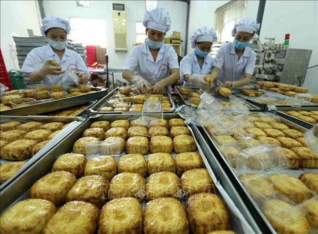 Thị trường bánh Trung thu rộn ràng bán hàng online