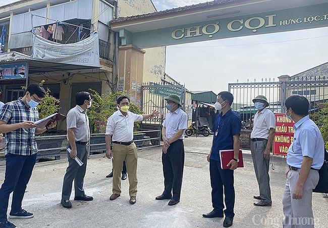 Nghệ An: Thận trọng mở lại chợ truyền thống